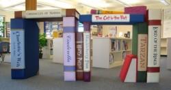 мебель диваны книги