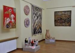 Выставка «Путями творчества»
